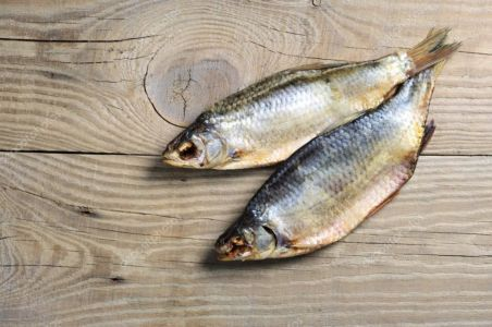 Рыбка вяленая